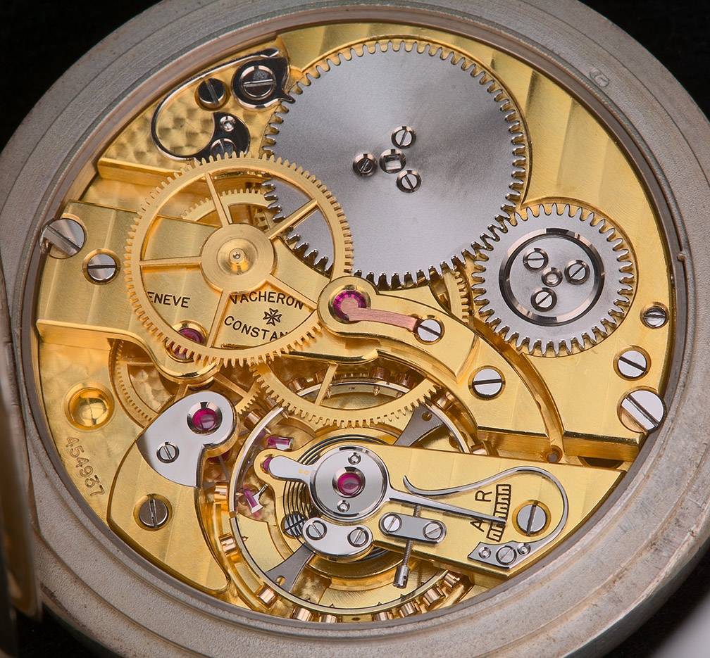 A couple inside pictures of this beautiful deck chronometer: